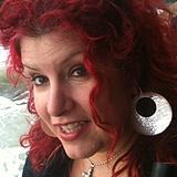 Suzy Estrela's Profile Image
