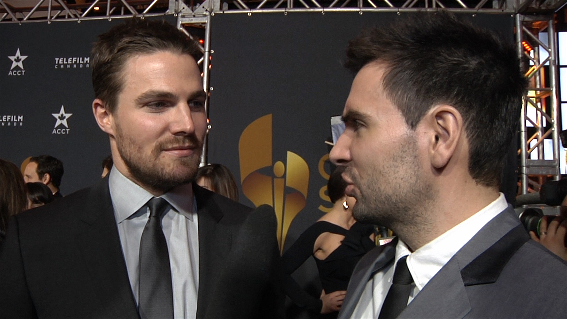 Stephen Amell with Mr. Hollywood
