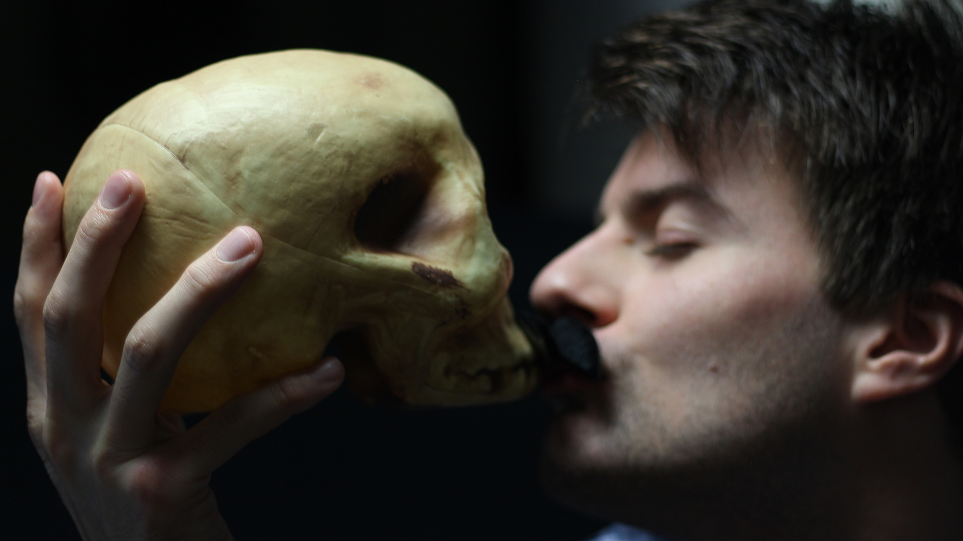 Kiss the Skull